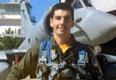 Es paranaense el piloto que falleció esta mañana al caer el caza de la Fuerza Aérea que piloteaba.