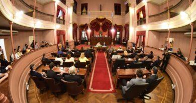 Por el escándalo de las vacunas VIP, los diputados de Juntos por el Cambio, piden interpelar a Velázquez